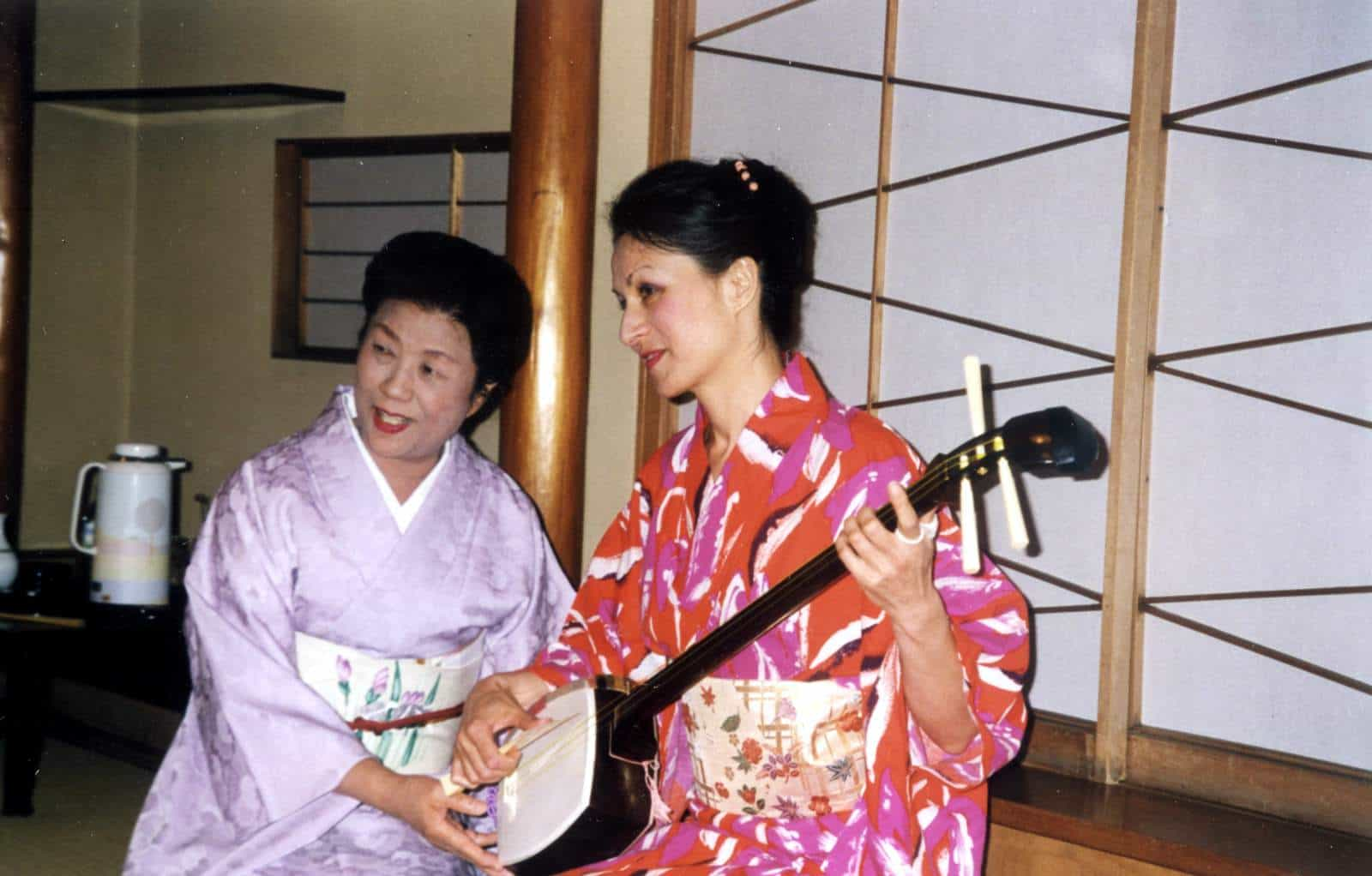 Me as a geisha - playing the shamisen