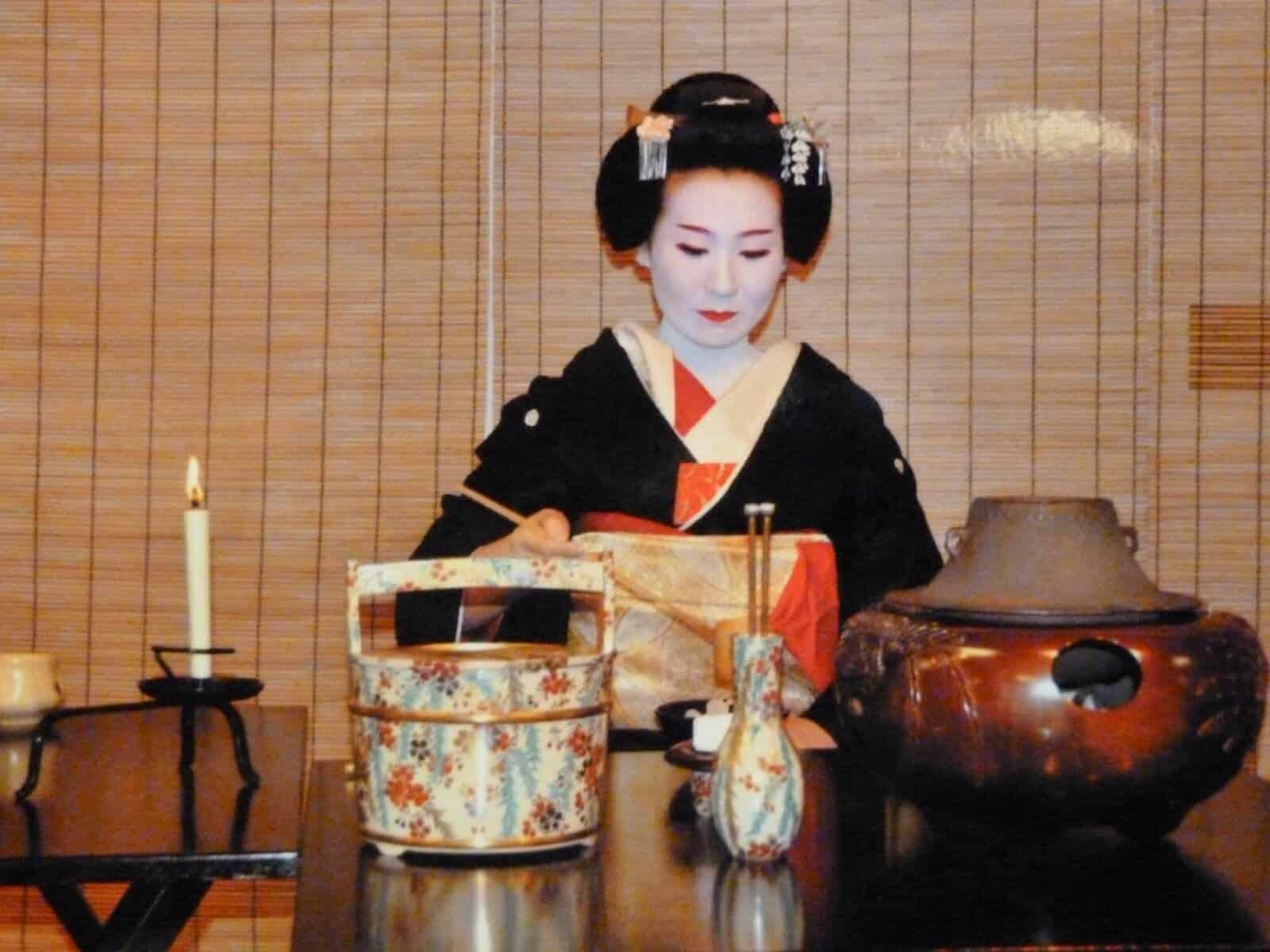 Manami as a geisha.