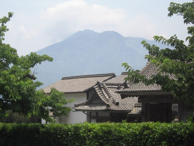 Lord Nariakira's summer villa with Sakura